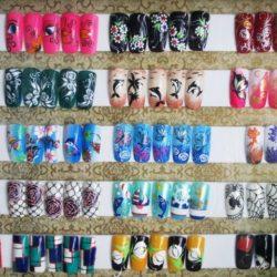 Bi Nail Art