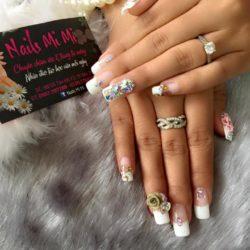 Nails Mi Mi