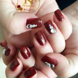 N.nails