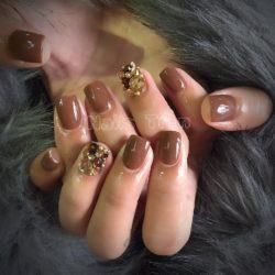 Nails Trần